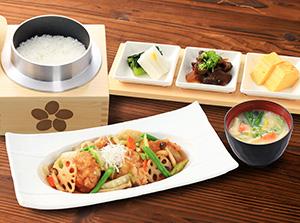 鶏と野菜の健康黒酢あんかけ定食